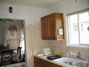 Kitchen walls decorated in faux paint finish Roman Illusion Champagne